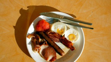 breakfast . 030410 AFR pic by Tanya Lake generic cooked bacon and eggs food health diet cholesterol ...***FDCTRANSFER***