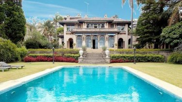 Trucking magnate Lindsay Fox spent millions renovating the historic Boomerang mansion in Elizabeth Bay, but has barely spent a night there.