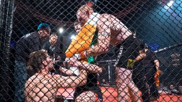 Perth set to hold first cage fight as the sport's ban lifted