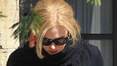 Nicole Kidman leaves her sister's house in Sydney.