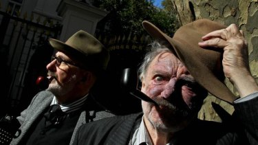 Warren Fahey (left)  plays Henry Lawson and Max Cullen plays Banjo Paterson in Dead Men Talking.
