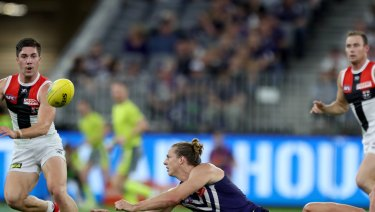 Nat Fyfe assumed control of the Dockers with another dominant display.