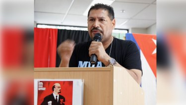 CFMEU's WA president Vinnie Molina has weighed in on Australia's foreign policy, calling on Foreign Minister Julie Bishop to recognise controversial Venezuelan elections.
