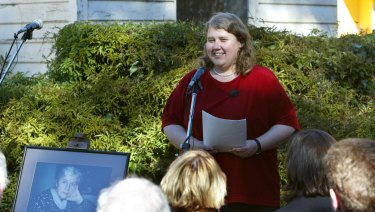Kate Lilley speaks at her mother's wake in 2002.