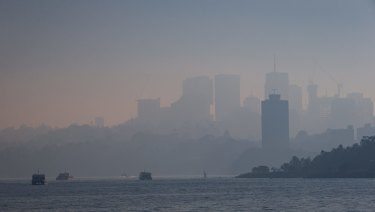 Thick smoke over Sydney as hazard reduction continues.