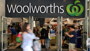 Tactics to fleece poker machine players used by pubs it part owns are bad PR for Woolworths.