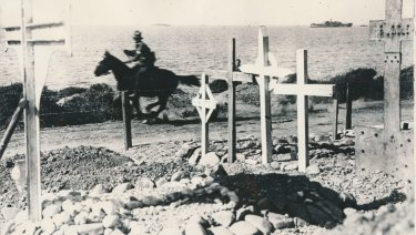 An Australian despatch rider gallops from Suvla Bay to Anzac Cove to avoid snipers during the Gallipoli campaign.