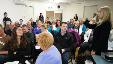 Oberon Council held a community meeting to hear arguments for and against the move.