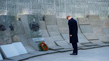 Prince Harry lays a wreath at the Australian War Memorial in London