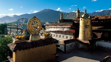 Dharma wheel on Jokhang Temple.