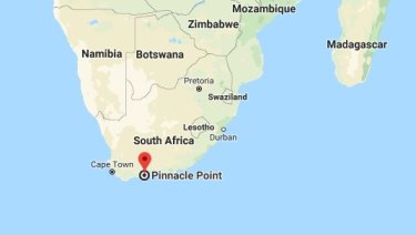 Scientists say that although shards from the Sumatra eruption were present in Pinnacle Point, South Africa, they also found evidence life continued as normal.