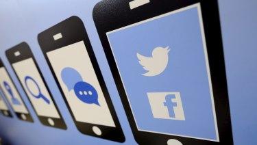 Social media as a sex-sapper