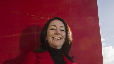 Glen Eira councillor Mary Delahunty has announced her intention to run for preselection in the new seat of McNamara (formerly Melbourne Ports).
