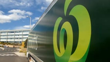 Woolworths has now outperformed its Wesfarmers-owned competitor for five quarters in a row.