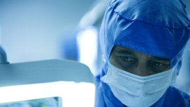 Do patients have the right to know more about their surgeons?