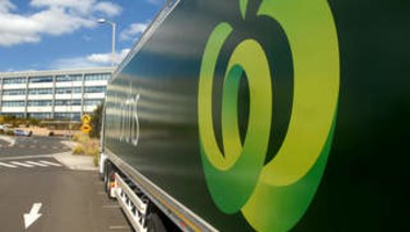 Woolworths has now outperformedits Wesfarmers-owned competitor for five quarters in a row.