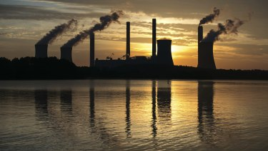 Recent annual falls in carbon emissions are slowing in the US and the EU.