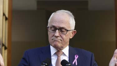 Prime Minister Malcolm Turnbull has instituted a ban on ministers having sexual relationships with staff.