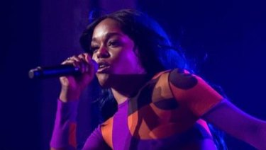 "Azealia Banks has asked her fans to donate money in order to fix an ""f------ embarrassing"" situation."