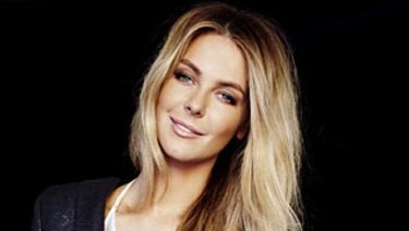 Myer's retail share might be shrinking, but the department store chain still has Jennifer Hawkins.