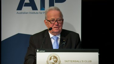Sir Leo Hielscher delivering the Australian Institute of Progress' Sir Thomas McIlwraith Lecture on Wednesday night.