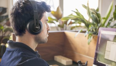 The Nuraphones look like regular headphones on the surface, but they hide a secret.