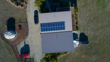 Multiple homes collaborated to provide almost instantaneous power back into the grid.