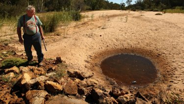 Narrabri grazier Tony Pickard reported suspected contamination of his property's water supply by the nearby Narrabri coal seam gas project.