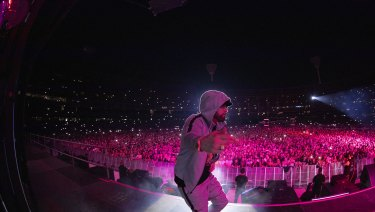 Everything about the Eminem Rapture concert was epic in scope and scale.