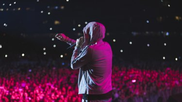 The rap star was impressed by the massive crowd of 81,000 at the MCG.