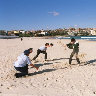A re-enactment of the fatal police shooting of Roni Levi on Bondi Beach in 1997.