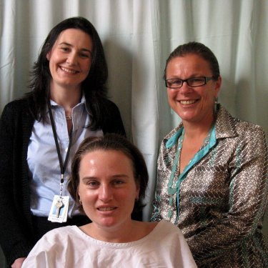 Banham with burns specialists, professors Suzanne Rea and Fiona Wood, at Royal Perth Hospital after the accident.