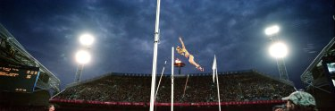 Best view in the house: Tatiana Grigorieva flies towards silver in the pole vault at the 2000 Games.