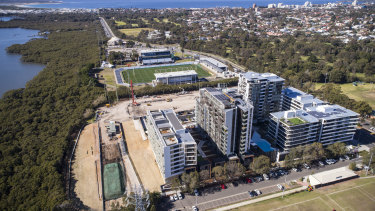 The Cronulla Sharks development will house 880 apartments as well as shops, a hotel and refurbished club facilities.