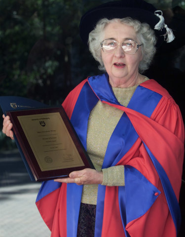 Dr Mary White receiving an honorary doctorate at the University of Wollongong