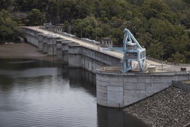 Bob Carr, whose state Labor government blocked bigger dams in the Blue Mountains, has appealed to the World Heritage committee.
