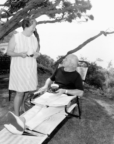 Prime Minister Harold Holt and Zara Holt at Portsea in 1966.