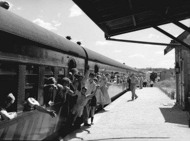 Railway scenic tour of Robertson en route on 8 February 1953.