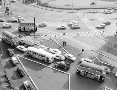 Traffic at Taylor Square, Sydney on 22 July 1947.