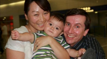 Lily Pan, Jeff Fenton, and their son Aidan when he was a toddler. He died aged 6 from a lack of insulin.