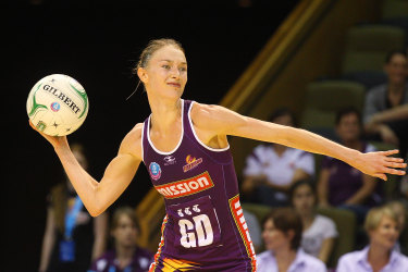 Amy Steel playing for the Brisbane Firebirds in 2012 before her career was ended by heat exhaustion in 2016.