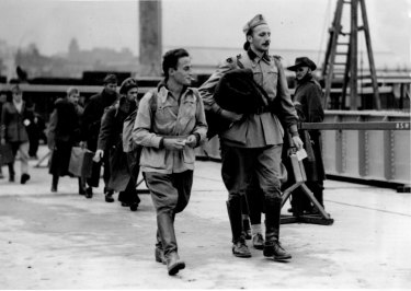"""""""These Italian officer prisoners who landed in Sydney do not appear unduly downhearted at the prospect of a protracted stay in Australia. August 16, 1941. """""""