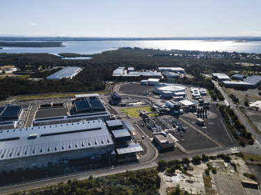 Sydney's desalination plant has been switched back on to ensure the city's water quality levels are maintained during the extreme rainfall in the main catchments.