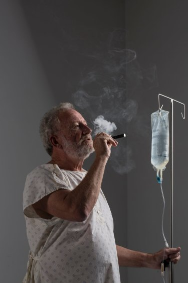 According to Robson, 'E-cigarettes are like evil ghosts imitating lost lovers.'