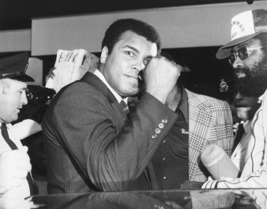 World heavyweight boxing champion Muhammad Ali arrives in Sydney