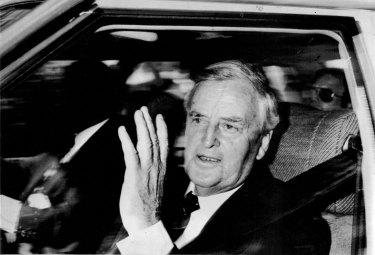 Sir Joh Bjelke-Petersen enters government house on November 25, 1987.