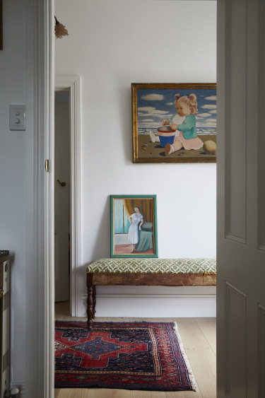 In the hallway hangs a painting by Miguel's grandfather, artist Ruggero Michahelles, of Miguel's mother as a child on the coast of Tuscany.