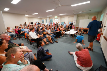 More than a hundred Downer residents attended a meeting last night to voice concerns about a new ACT planning strategy which proposes to increase housing density in the suburb.