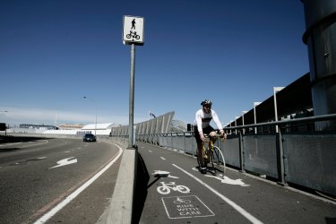 Cyclists travelled an average 7.6 kilometres to work, nationally.