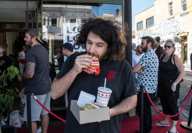 "Jordan Zaz eats a burger. He says it's ""fine""."
